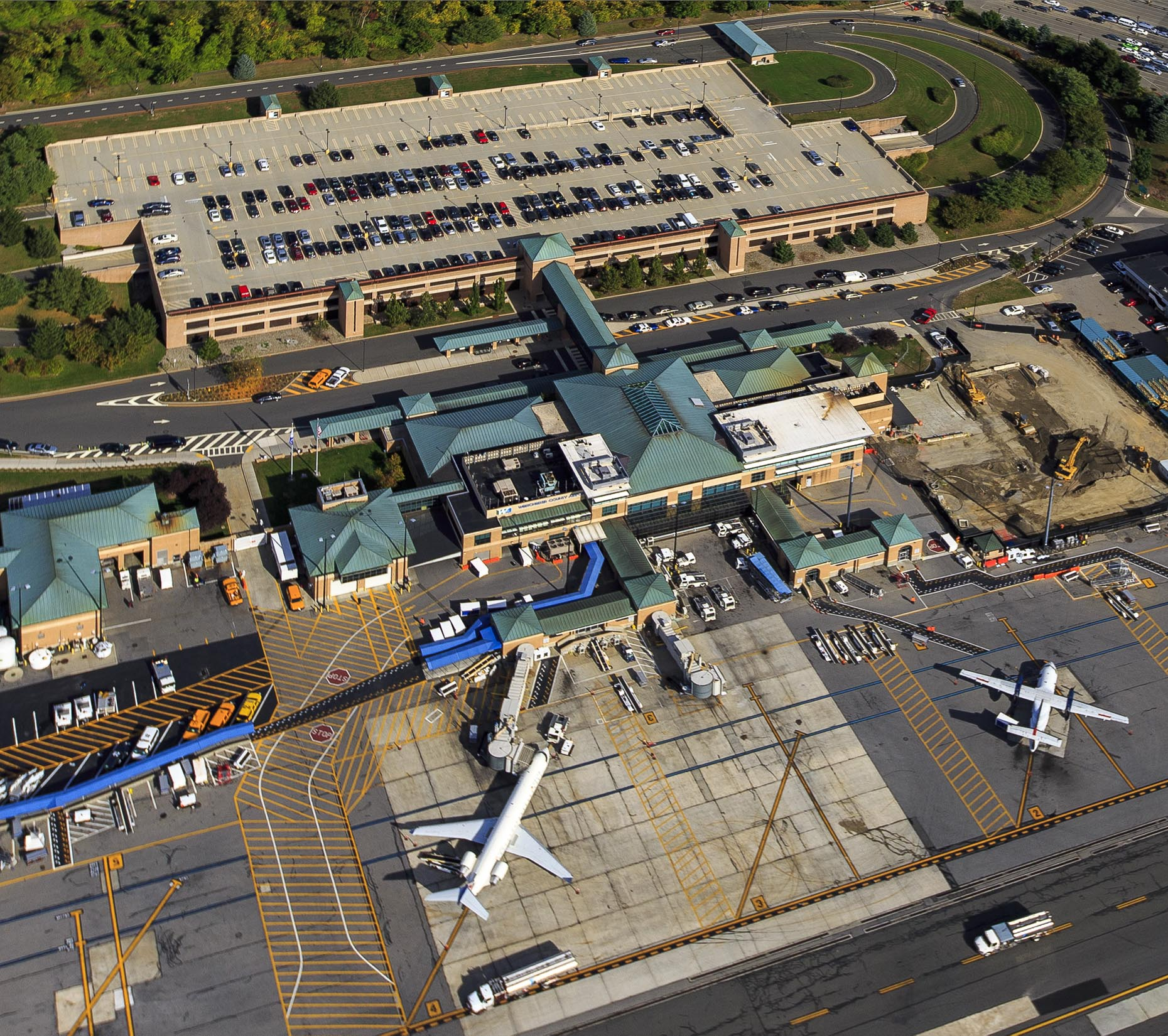 NY LA Aerial Photographer:  Westchester County Airport  White Plains NY